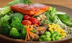 Spicy red miso salmon salad web