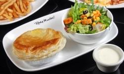 Pottie pie with salad web