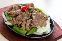 Sauteed Sliced Beef with Scallion in Sizzling Plate from Mrs. Vinegar