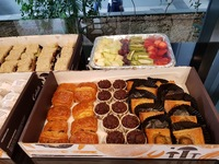 Customer Casey - Celebratory Set and Party Sliders Platter from Cedele