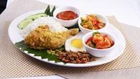 Nasi Lemak Set B (Fried Chicken & Sambal Prawn) - Streats Menu Photo from Streats