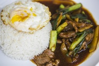 Spring Onion Beef with Rice & Egg from Yuan Kee Famous Chicken Rice