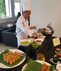 personal chef buffet catering live station - orange lantern catering from Orange Lantern Catering