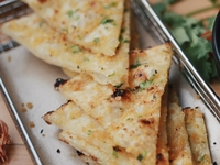 Garlic Naan from Foodcoholic
