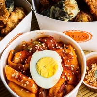 Tteokbokki with Egg from Kelly's Cape Bop