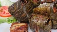 Gai Haw Bai Toey (Thai Spicy Pandan Leaf Chicken) from Yeh Lai Siang