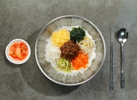 Traditional Mixed Vegetable with Beef Bibimbap from Lee Fa Yuen Express