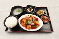 Sweet & Sour Pork Bento Set from Honguo