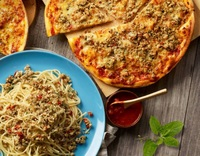 Basil Chicken Aglio Pasta and Hot Basil Pizza from Pasta Mania