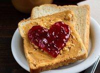 Peanut Butter Jelly Basic Sandwich <Mmmunch> Catering Menu from MMMUNCH