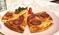 Pizza from Café de Paris - Catering