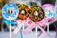 Donut Cake Pops from La Bonnie Patisserie